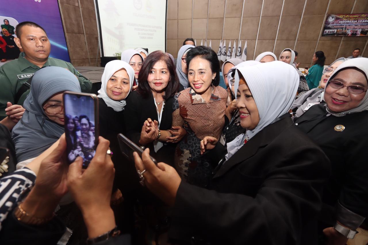 Dukungan Keluarga Kunci Terwujudnya 30 Persen Keterwakilan Perempuan di Parlemen
