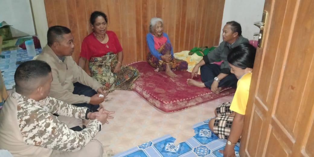 Dinsos Mamasa Salurkan Bantuan Bagi Korban Kebakaran