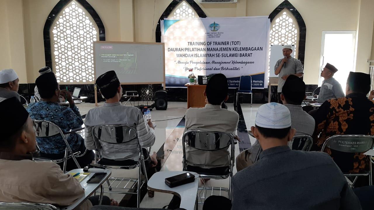 Upgrade SDM Kader, Wahdah Islamiyah Sulbar Gelar TOT Manajemen Kelembagaan.