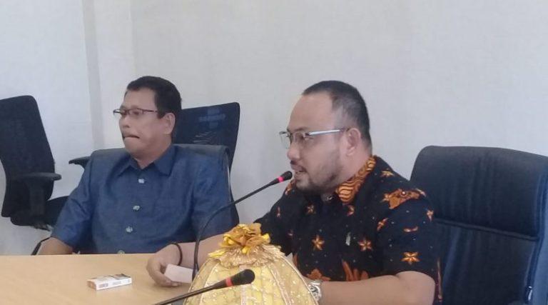 Antisipasi Pandemi Covid -19 Ketua DPRD Mamuju Bersama Komisi III Rapat Interen