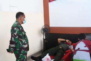 Personil Korem 142/Tatag dan Kodim 1418/Mamuju Donor Darah