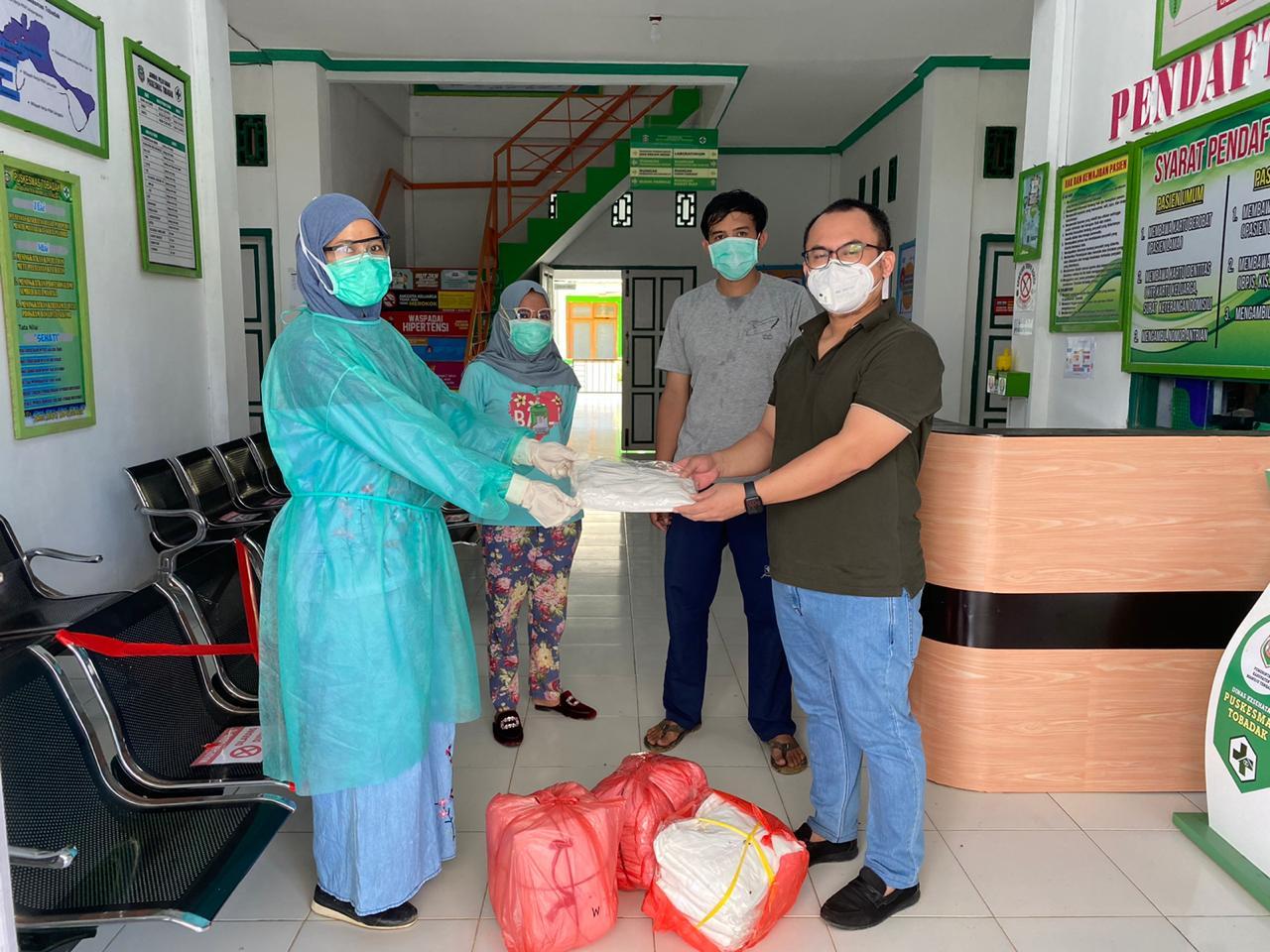 Arwan Aras Serahkan 500 APD untuk Rumah Sakit dan Puskesmas