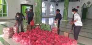 RelawanPosko Masjid Ar-Rahim Bagikan Paket Sembako