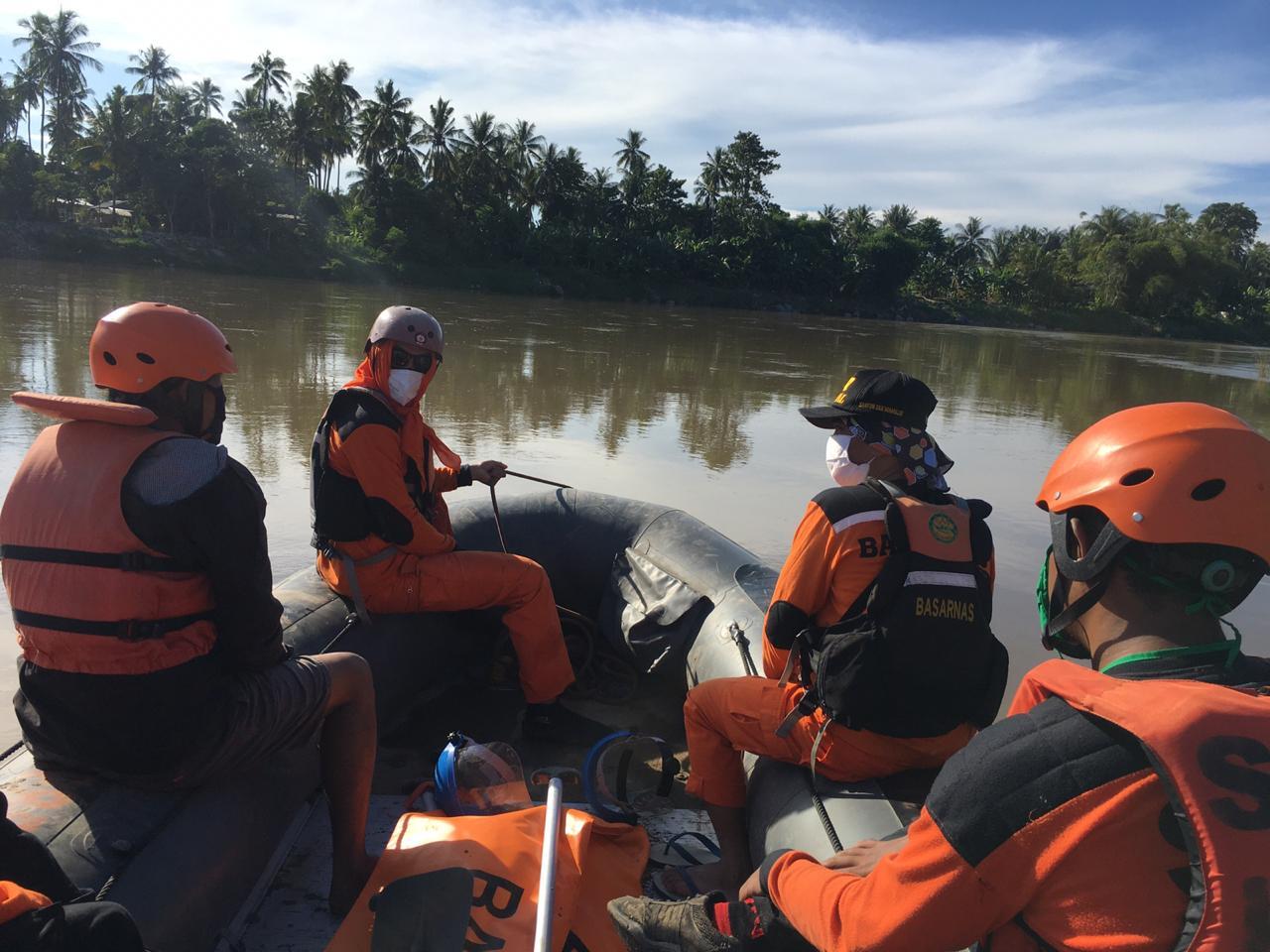Operasi SAR Terhadap 1 Dari 3 Tenggelam Di Sungai Mapilli Polman di Hentikan