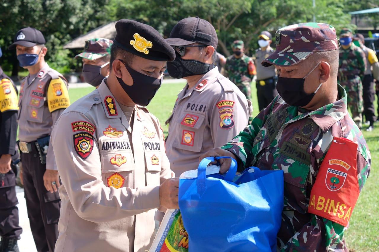 Sinergitas TNI/POLRI Kembali Salurkan1.275 Paket Sembako