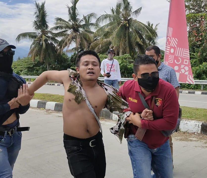 Demo di Hari Kemerdekaan Lima Massa Aksi Diamankan Ke Kantor Polisi