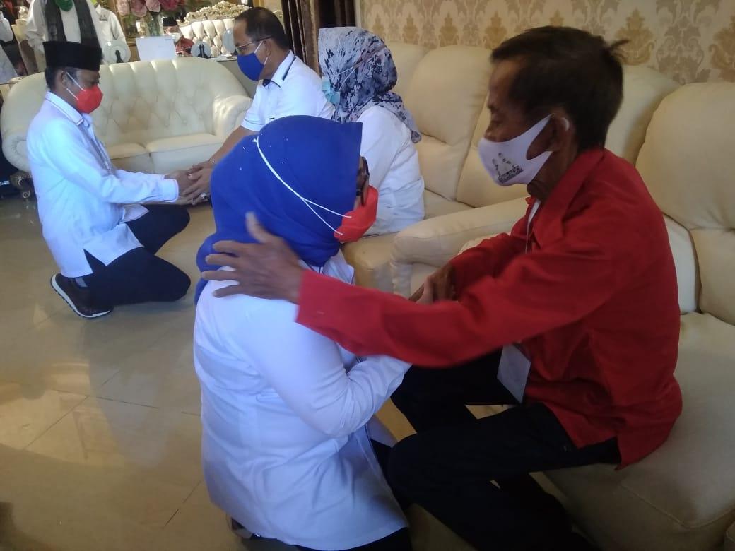 TINA-ADO Minta Doa Restu Orang Tua dan Tokoh Masyarakat