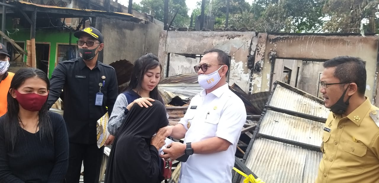 Korban Kebakaran Mendapat Bantuan Pemda Mamuju