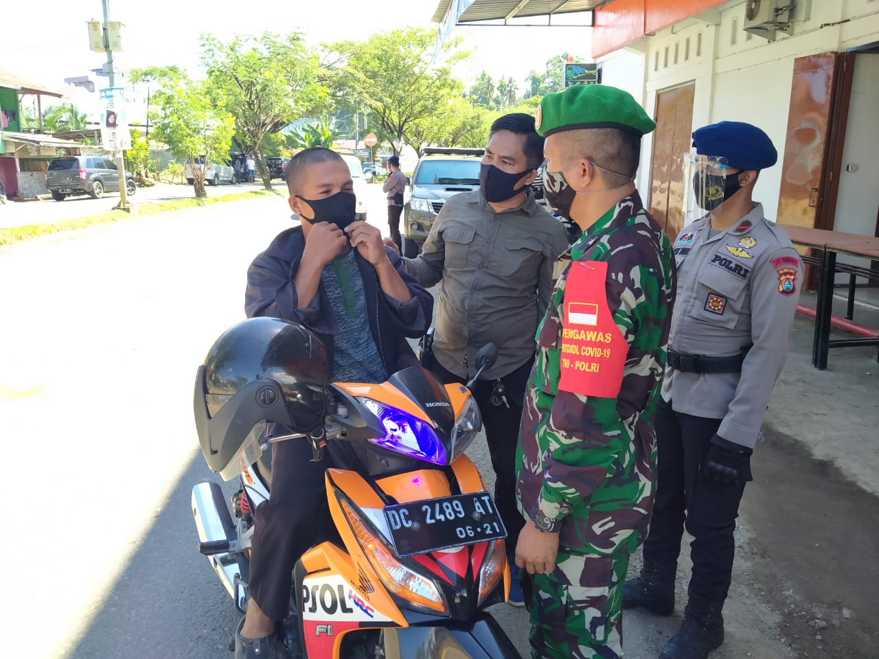 Gabungan Personil TNI - POLRI bersama Satpol PP Gelar Operasi Yustisi