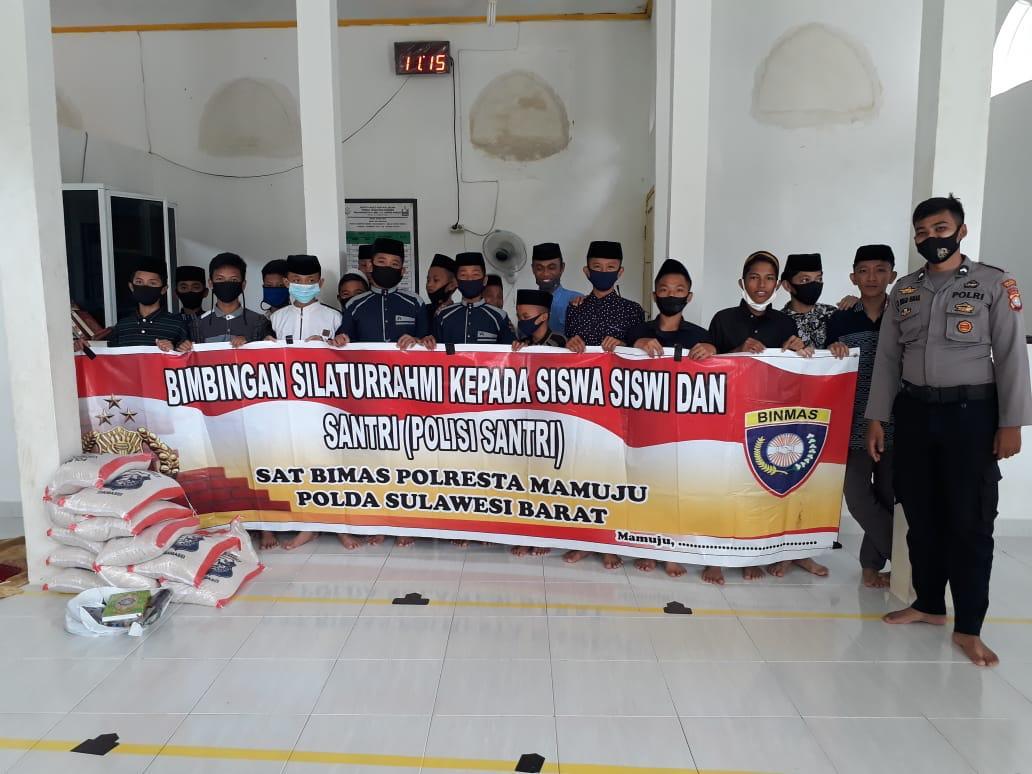 Polresta Mamuju Salurkan Bantuan Polri dan Membina Santri Pondok Attanwir Muhammadiyah Mamuju