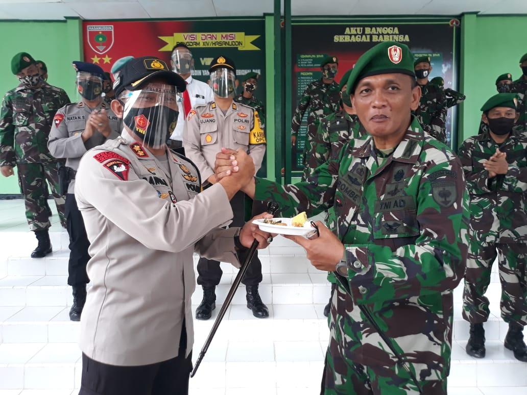 Surprise Hut TNI Ke-75, Polres Majene Datangi Kodim dan Kompi