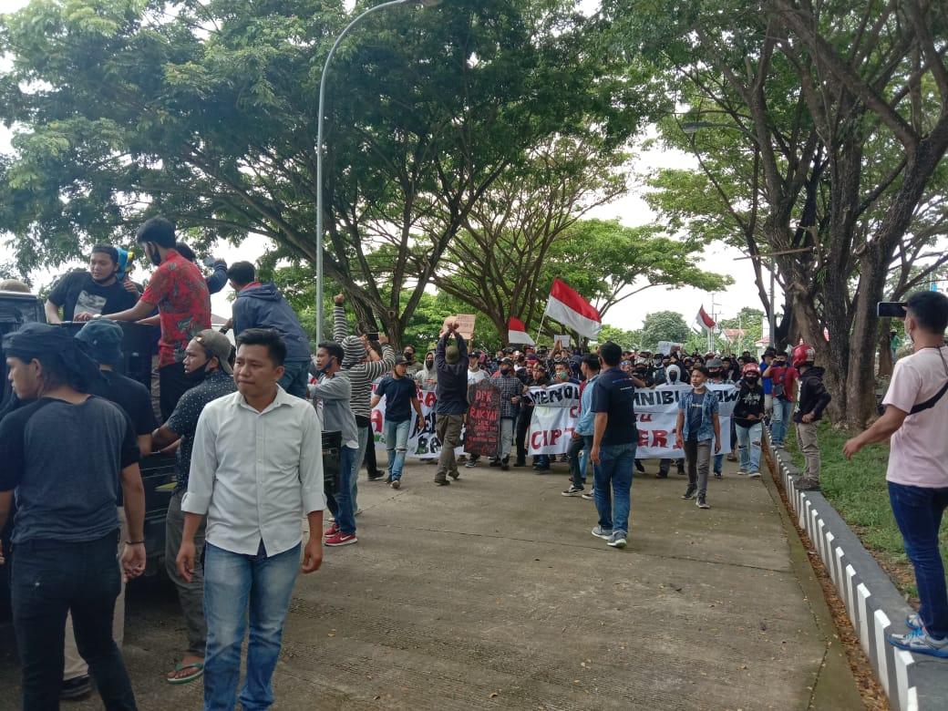 Aliansi Perjuangan Rakyat Mamuju Tolak Omnibus Law