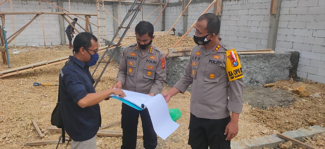 Kabid TIK Polda Sulawesi Barat Cek Pembangunan Command Center Di Polres Pasangkayu.