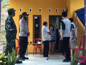 Kapolres Dampingi Wakil Bupati Mamasa Salurkan Sembako dan Santunan