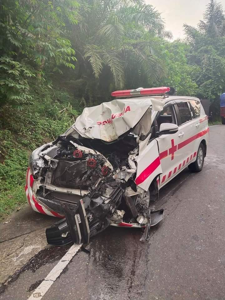 Ambulance Pemkab Majene Rusak Parah