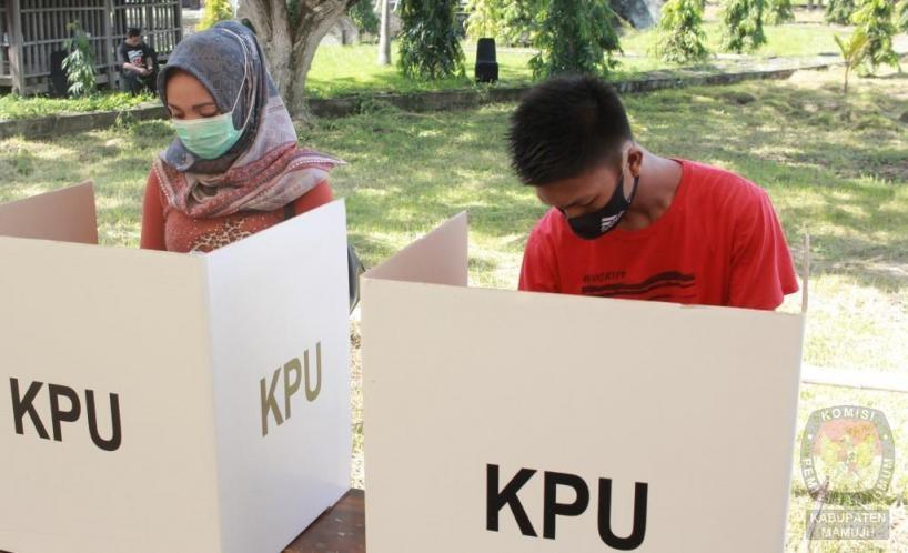 Pemilih Dilarang Membawa HP Dalam Bilik TPS