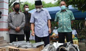 Gubernur Sulbar Serahkan Bantuan Alat Nelayan