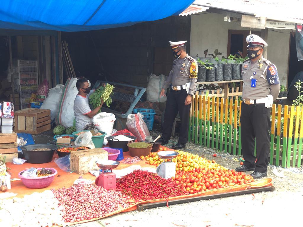 Polres Pasangkayu Bersama TNI Dampingi Satpol PP Tegakkan Perbup Penegakan Prokes Covid-19.