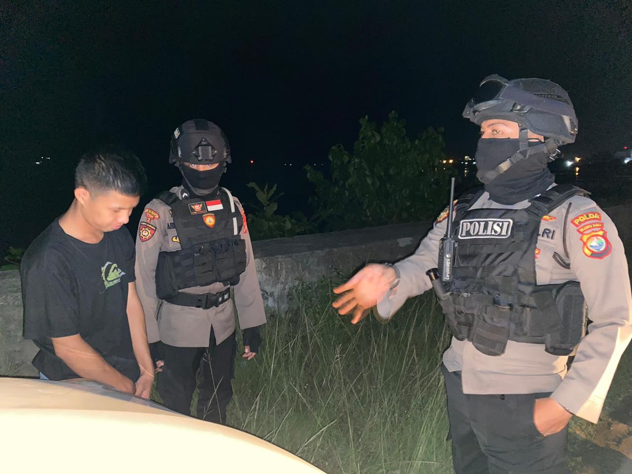 Patroli Malam, Personil Polda Sulbar Sasar Pelanggar Prokes