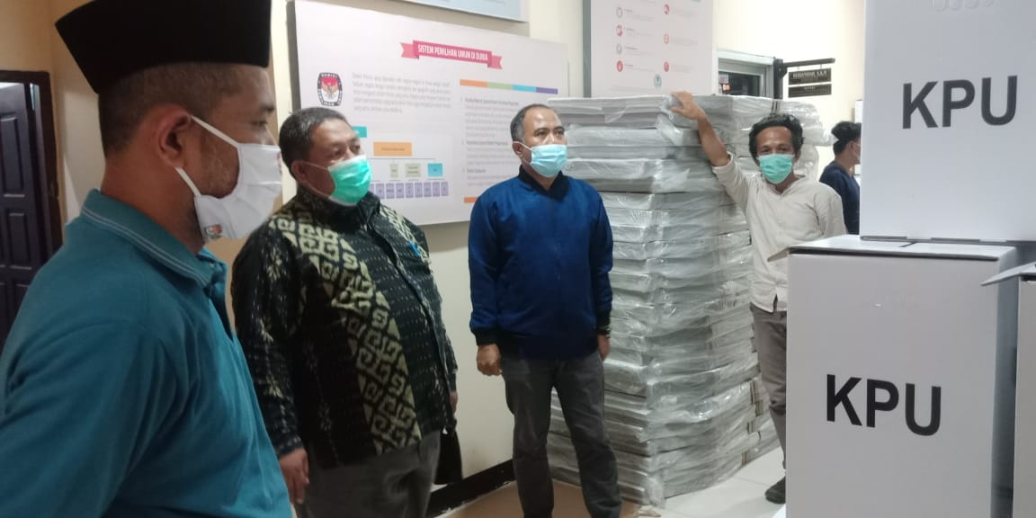 Ombudsman, Bawaslu dan KPU Sulbar Memantau Logistik Pilkada Pasangkayu