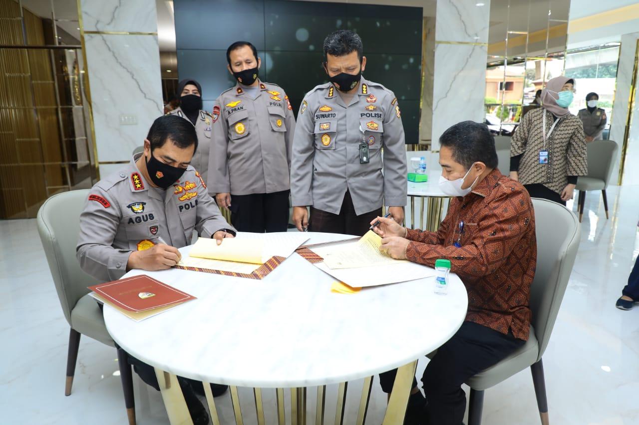 Tanda Tangani Kerja Sama Polri-BKPM, Kabaharkam: Bukti Komitmen Polri Jamin Keamanan Berinvestasi