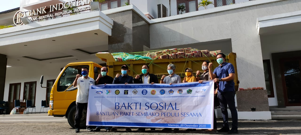 BI Bersama 11 Instansi Vertikal Sulbar Salurkan Bantuan Sembako
