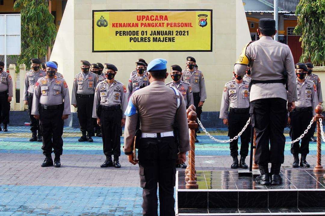 Awal Tahun, 46 Personil Polres Majene Naik Pangkat