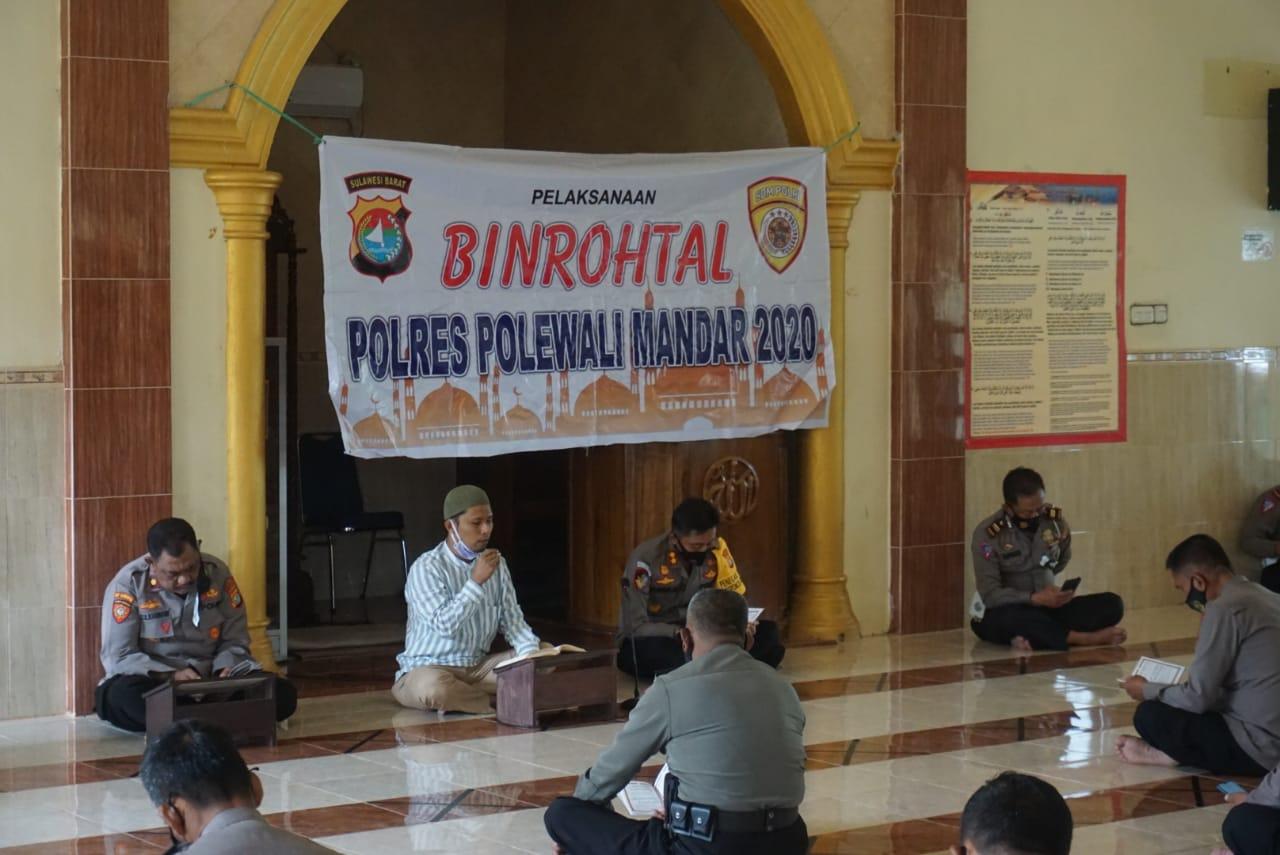 Tingkatkan Iman dan Taqwa, Polres Polman Rutin Laksanakan Binrohtal