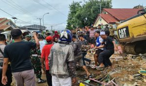Kasi Opsrem 142/Tatag : TNI Masih Melakukan Evakuasi