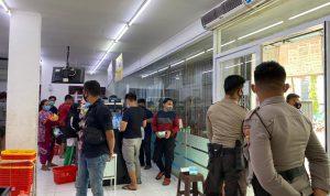 Pusat Perbelanjaan Kembali Dibuka, Polisi Amankan Sejumlah Toko
