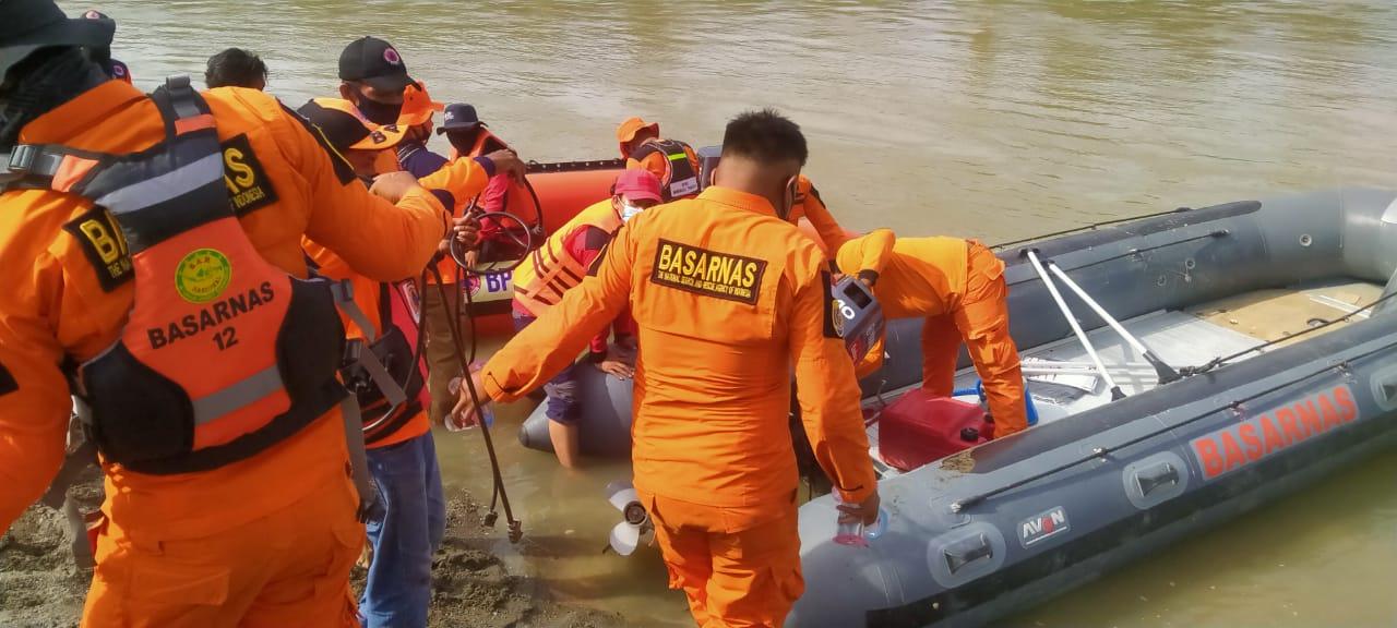 Basarnas Mencari Warga Yang Diduga Hilang di Sungai Budong-Budong