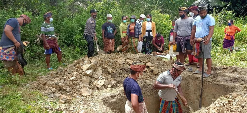 Polres Pasangkayu Amankan Pemakaman Pasien Covid-19 di Pedongga.