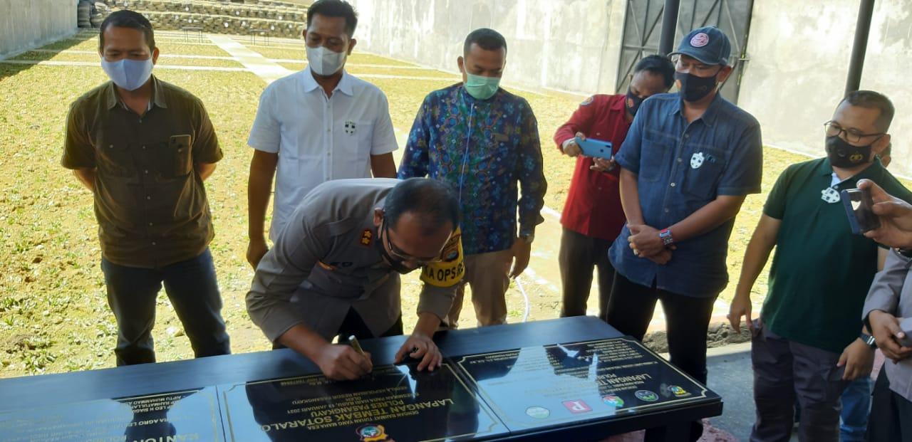 Kapolres Pasangkayu Resmikan Lapangan Tembak Sotaralo dan Tanda Tangani Prasasti Polsubsektor Sarjo