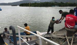 Kapolresta Mamuju Salurkan Bantuan dan Obat ke Pelosok Karampuang