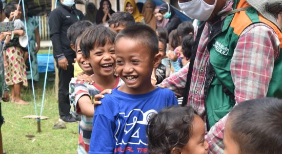 Tim Kesehatan Wahdah Islamiyah Tangani Trauma Healing Korban Gempa
