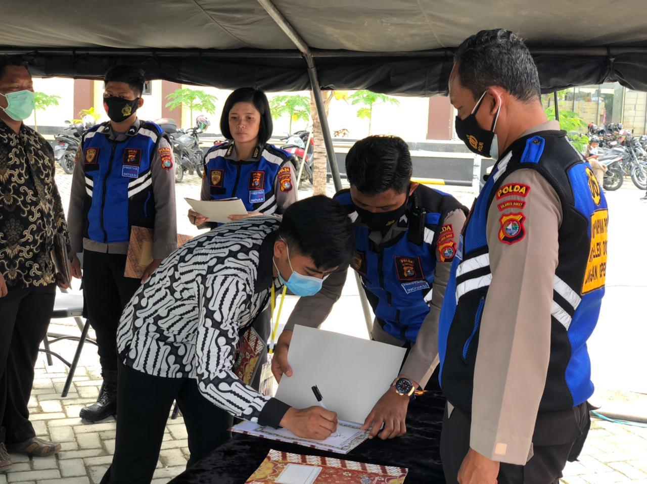 Penandatanganan Pakta Integritas Ditengah keterbatasan, SDM Polda Sulbar lanjutkan Seleksi SIPSS TA 2021