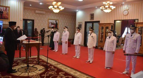Lantik Tiga Bupati, Gubernur Sulbar Ajak Semua Kembali Bersatu