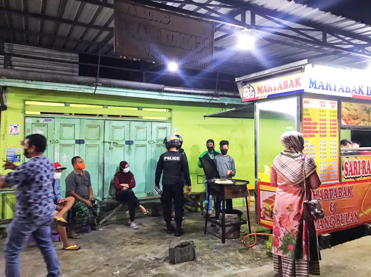 Personil Polresta Mamuju Patroli Malam Mobile system