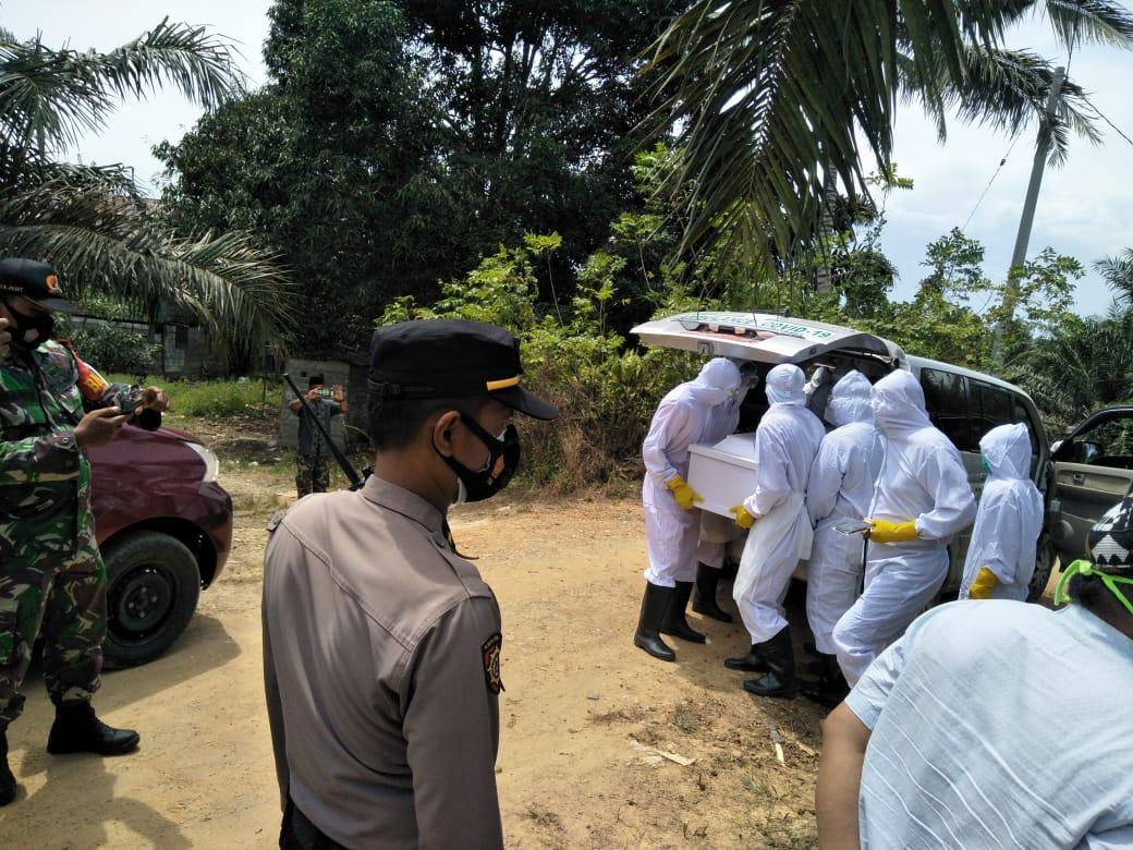 Polres Pasangkayu PAM Pemakaman Jenazah Covid-19.