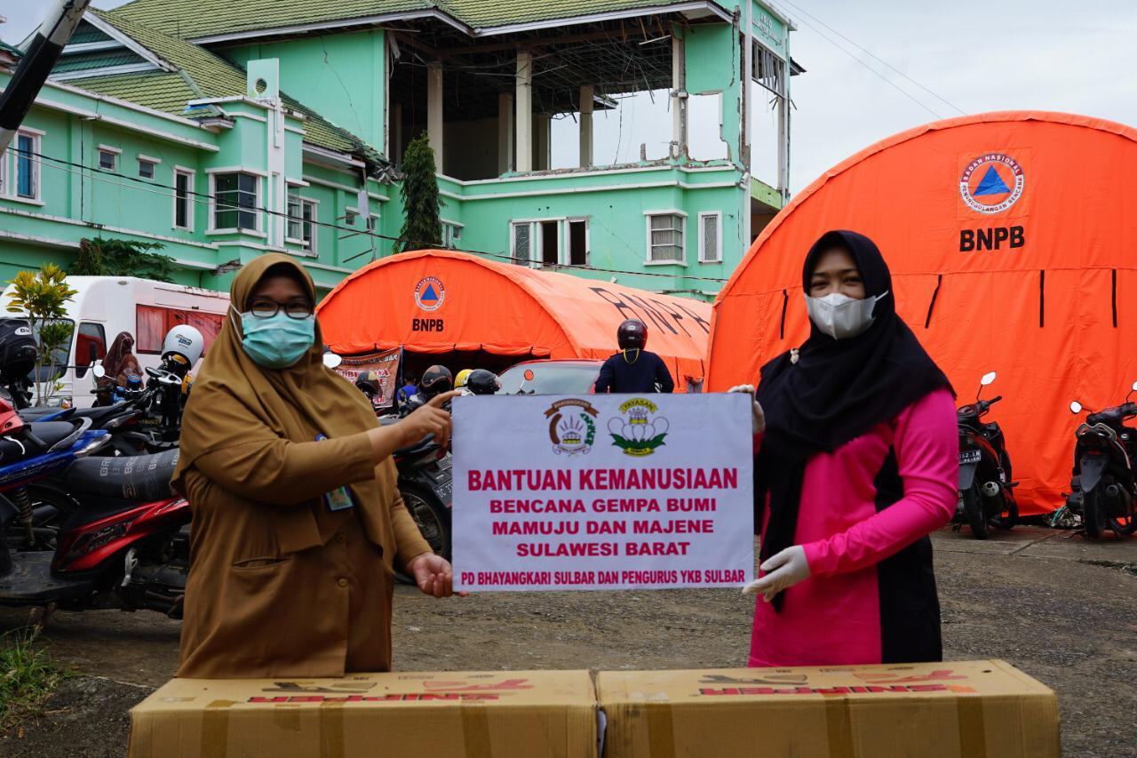 Bhayangkari Daerah Sulbar Salurkan Bantuan ke Tenaga Medis