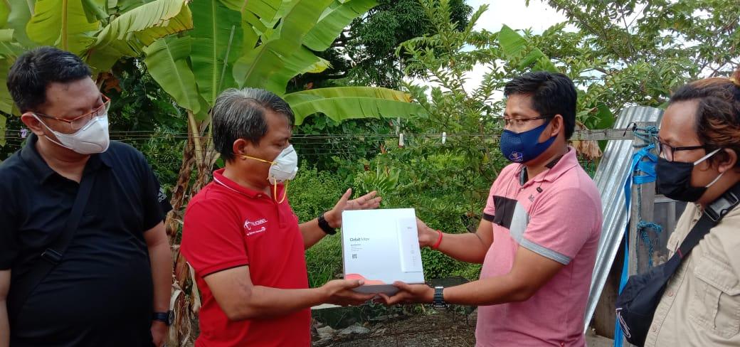 Telkomsel Salurkan Bantuan ke Posko Jurnalis