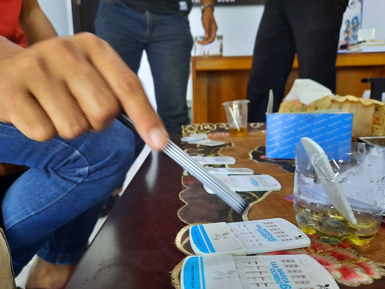 Polres Majene Gelar Tes Urine Dadakan, Pastikan Seluruh Personil Bebas Narkoba