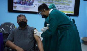 Kapolda, PJU dan 137 Personil Polda Sulbar Terima Vaksin