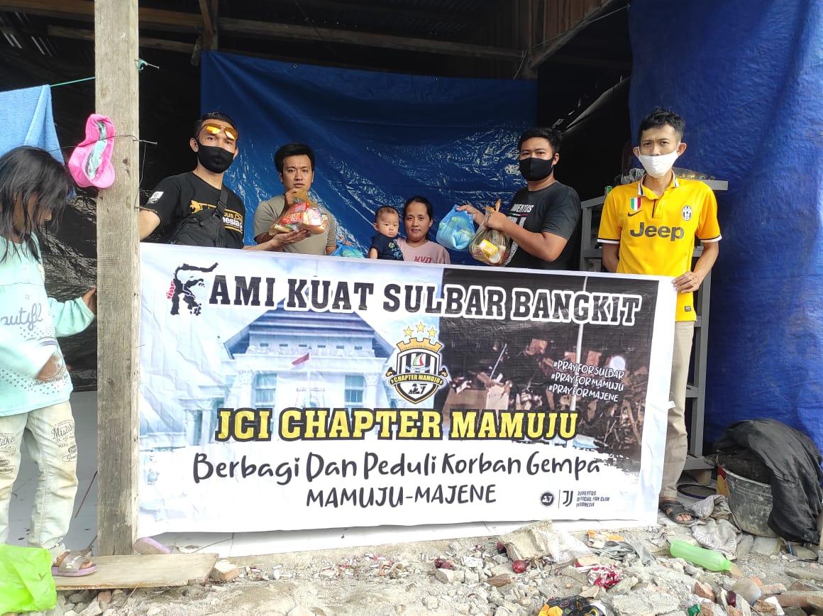 Komunitas Juventus Club Indonesia Chapter Mamuju Berbagi Untuk Korban Gempa