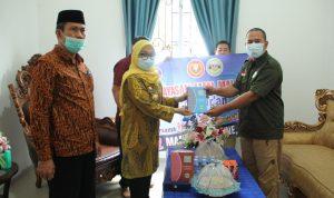 Pemkab Mamuju Terima 2.000 Al-Qur'an dari Yayasan Amal Malaysia