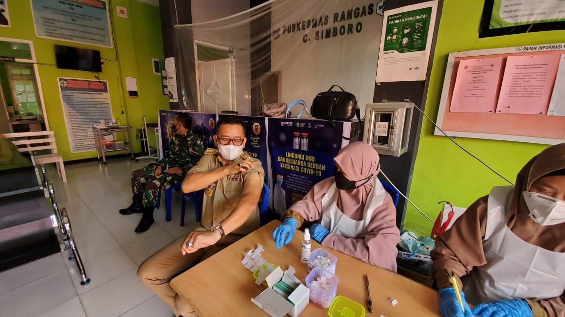 Safaruddin Sanusi DM Menerima Suntikan Vaksin Covid-19 Tahap Dua