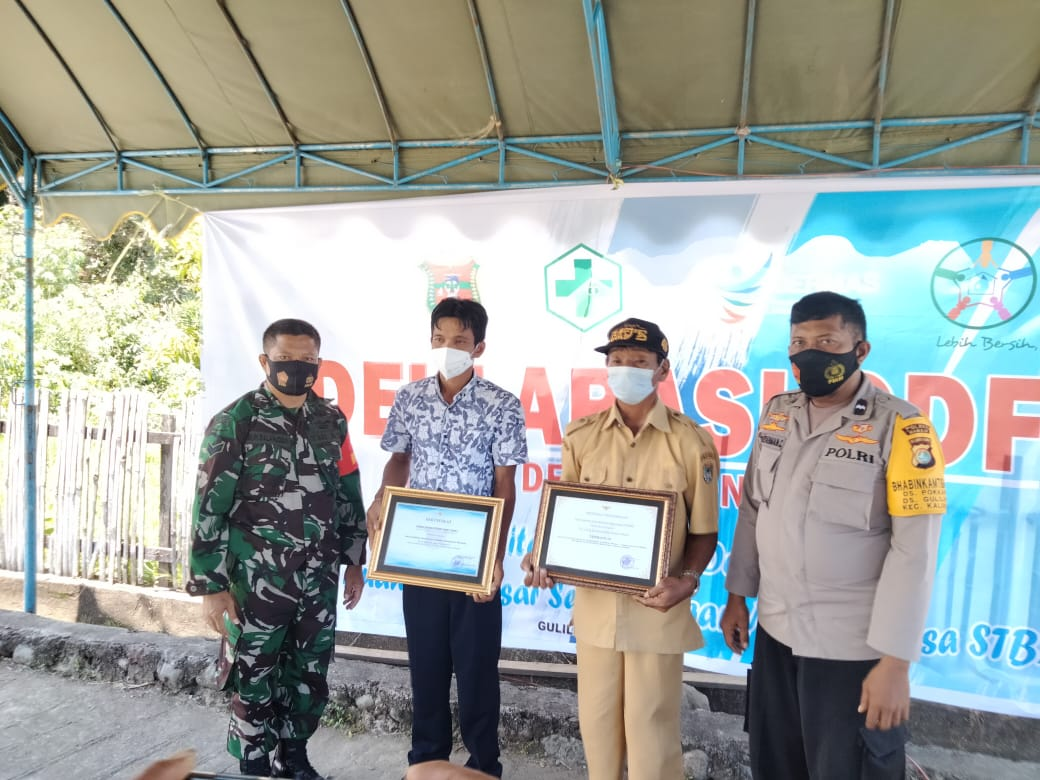 Bhabinkamtibmas Desa Pokkang & Desa Guliling Menghadiri Deklarasi ODF Dalam Rangka Implementasi STBM
