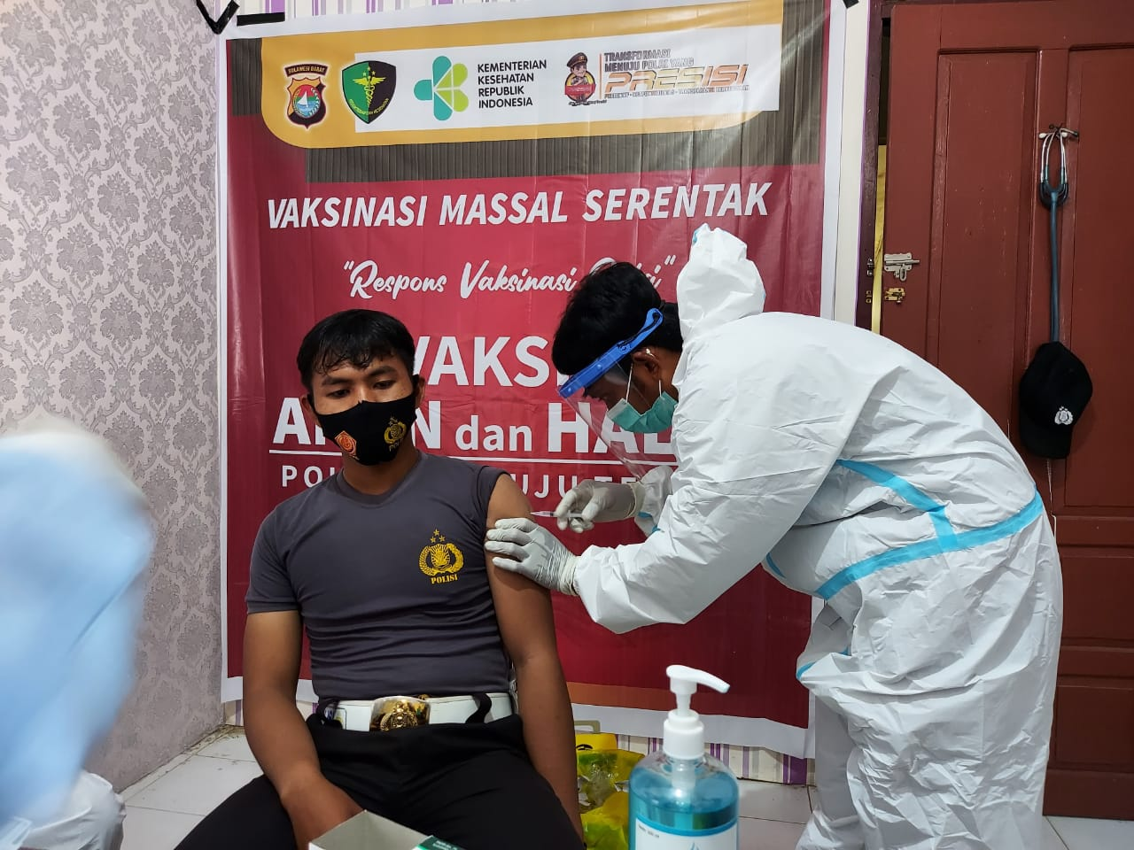Polres Mamuju Tengah Gelar Vaksinasi Massal Serentak