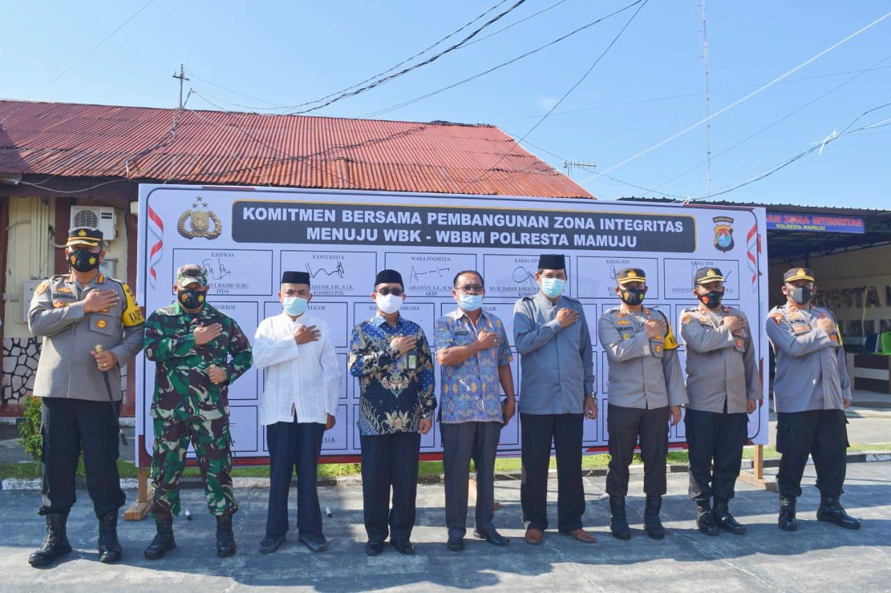 Polresta Mamuju Gelar Upacara Penandatanganan Pakta Integritas, Komitmen Bersama Pembangunan Zona Integritas Menuju WBK dan WBBM