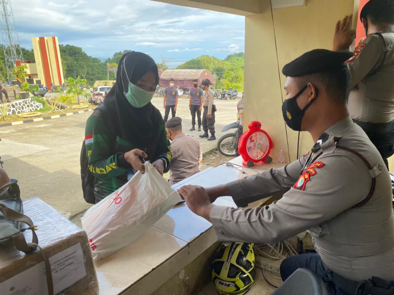 Polda Sulbar Perketat Penjagaan Markas, Pasca Penyerangan Mabes Polri